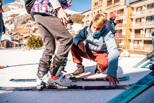 Skis & Snowboard rental