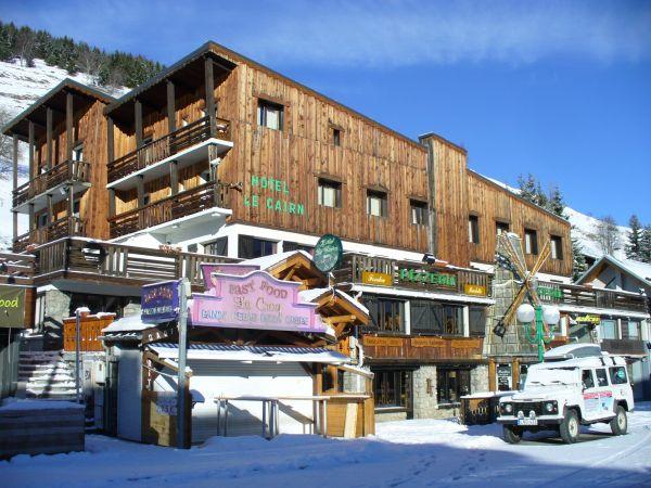 Hotel le cairn r servation hotel le cairn pour court for Hotels 2 alpes