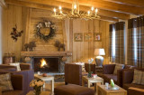HOTEL SOULEIL' OR Lounge with fire place