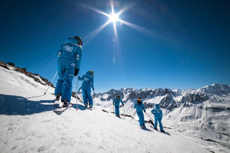 6-day Group lessons Ski or Snowboard - Les 2 Alpes - ESI Ski school