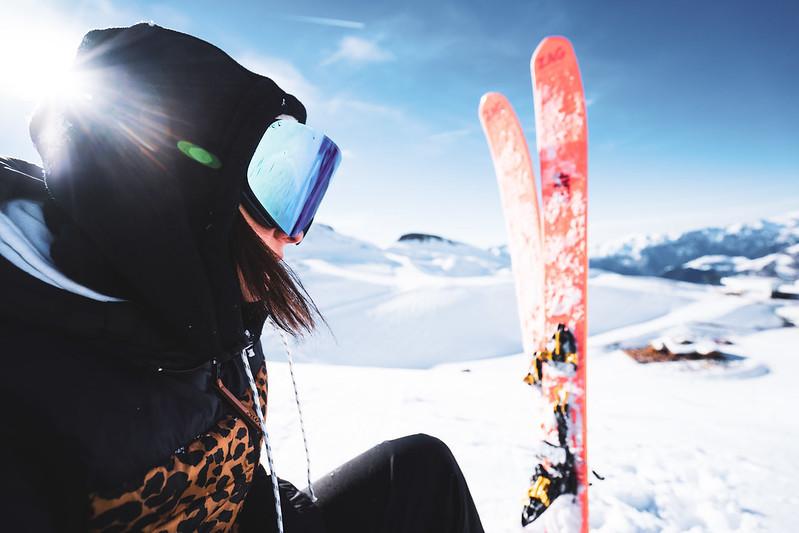 ski-seuls-rouge-312087