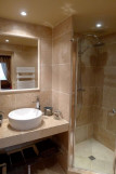 CHALET ALPAGES Private bathroom for the bedroom 1