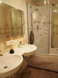 L'OLYMPE N° 57 Bathroom