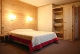 LE CORTINA N°31 Bedroom
