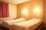 LE CORTINA N°34 Bedroom
