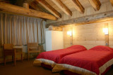 LE CORTINA N°51 Bedroom