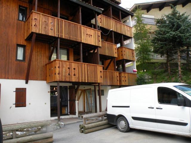 L'ANDROMEDE N°12 Building