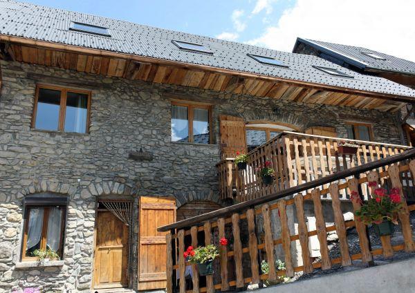 Chalet marechal chalet 10 personnes les 2 alpes 1300 for Garage les deux alpes